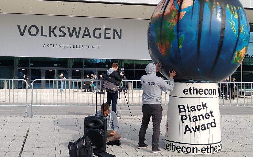 Schmähpreis für Volkswagen: Black Planet Award überreicht.